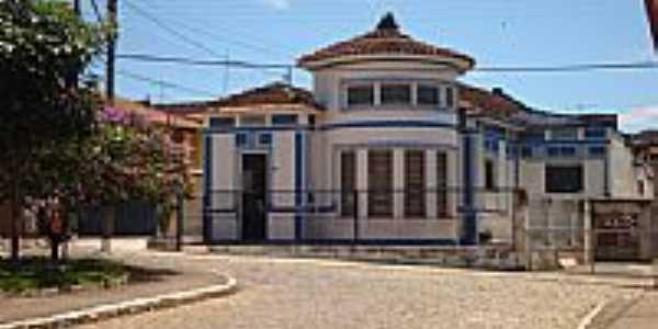 Pr�dio da R�dio Cultura em C�ssia-Foto:klemos