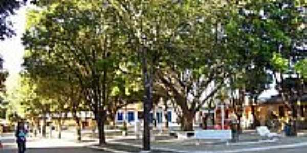 Praça-Foto:DLester - Kta[Panoramio]