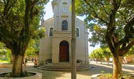 Cataguases - Cataguases-MG-Cruzeiro em frente a Igreja de São Francisco-Foto:sgtrangel