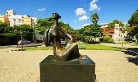 Cataguases - Cataguases-MG-Estátua na Praça Governador Valadares-Foto:sgtrangel