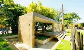 Cataguases - Cataguases-MG-Monumento � Jos� In�cio Peixoto-Foto:sgtrangel