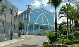 Central de Minas - Pra�a e Igreja em Central de Minas-Foto:montanha