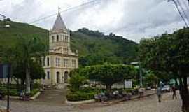 Chalé - Praça e Igreja-Foto:Elpídio Justino de A… [Panoramio]