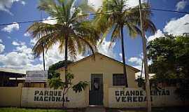 Chapada Gaúcha - Chapada Gaúcha-MG-Sede do Parque Grande Sertão Veredas-Foto:fotostrada.