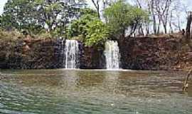 Chaveslândia - cachoeira em Chaveslândia por Alexandre Abdyknassuih