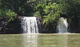 Chaveslândia - Pequena Cachoeira de um afluente do Rio Paranaiba-Chaveslandia MG por Jairo Junior
