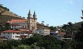 Cipotânea - Vista da Igreja de São Caetano