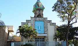 Citrolândia - Citrolândia-MG-Igreja de N.Sra.das Graças-Foto:Vicente A. Queiroz