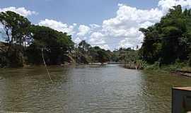 Citrolândia - Citrolândia-MG-Travessia de Balsa no Rio Paraopeba-Foto:Alan Gonçalves