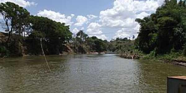 Citrolândia-MG-Travessia de Balsa no Rio Paraopeba-Foto:Alan Gonçalves