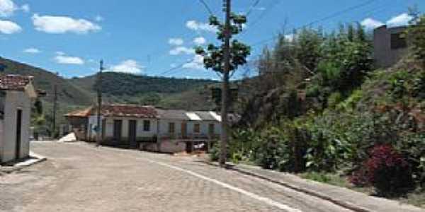 Cláudio Manuel-MG-Entrada do Distrito-Foto:wikimapia.org