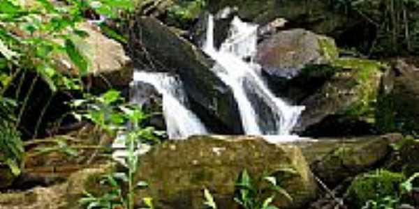 Cachoeira Laje - Concei��o da Aparecida - MG por Carlossulmoneti