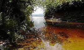 Conceição do Ibitipoca - Conceição do Ibitipoca-MG-Rio no Parque Estadual-Foto:www.feriasbrasil.com.br