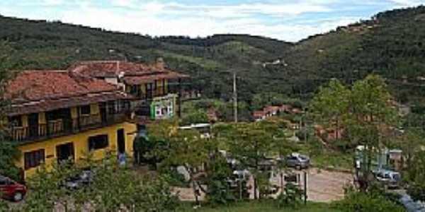 Conceição do Ibitipoca-MG-Vista parcial da cidade-Foto:www.gebh.net