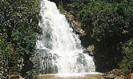 Conceição das Pedras - Cachoeira em Conceição das Pedras-Foto:marvalim82