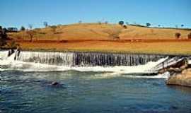 Conceição do Pará - Barragem da Usina Dr. J. L. Guimarães em Conceição do Pará-MG-Foto:Nicodemos Rosa