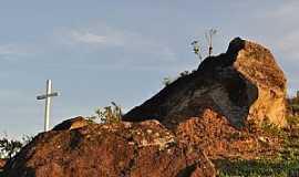 Conceição dos Ouros - Conceição dos Ouros-MG-Morro do Cruzeiro-Foto:LIMA JÚNIOR, B. J.