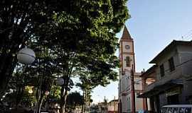 Conceição dos Ouros - Conceição dos Ouros-MG-Praça da Matriz-Foto:LIMA JÚNIOR, B. J.