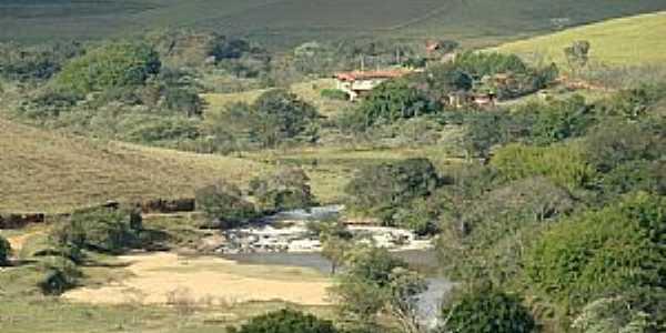 Conceição dos Ouros-MG-Vista da cachoeira-Foto:IsmaelSilva