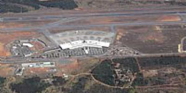 Confins-MG-Vista aérea do Aeroporto Tancredo Neves-Foto:André Bonacin