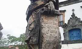 Congonhas - Comgonhas-MG-Profeta Ezhequiel em pedra sabão-Foto:Josue Marinho