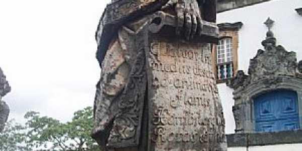 Comgonhas-MG-Profeta Ezhequiel em pedra sabão-Foto:Josue Marinho