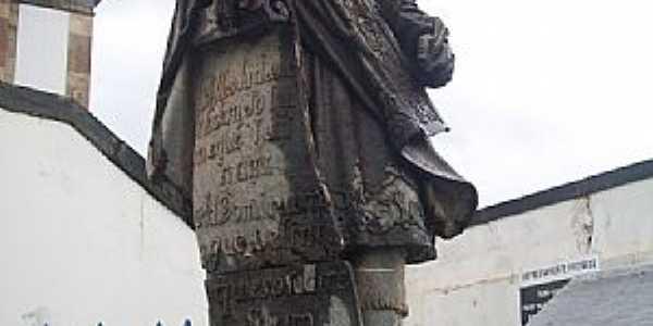 Comgonhas-MG-Profeta Jeremias em pedra sabão-Foto:Josue Marinho