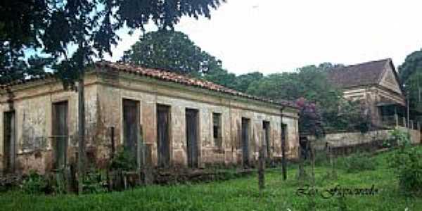 Conquista-MG-Casario do complexo da Estação Tancredo França,Distrito de Conquista-Foto:Leonardo Figueiredo