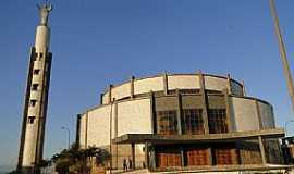 Conselheiro Lafaiete - Conselheiro Lafaiete-MG-Basílica do Sagrado Coração de Jesus-Foto:afraniobastos