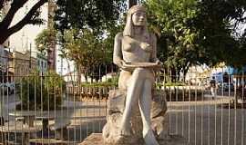 Conselheiro Lafaiete - Conselheiro Lafaiete-MG-Monumento em homenagem à Índia Carijó-Foto:Edmilson Miranda de Castro