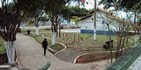 Conselheiro Lafaiete-MG-Centro de Lazer José Maurício Henriques-Praça do Cristo-Foto:PMCL