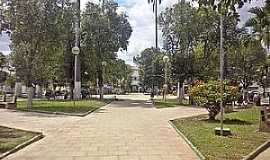 Conselheiro Pena - Conselheiro Pena-MG-Pra�a da Matriz-Foto:pt.wikipedia.org
