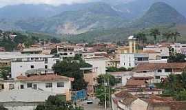 Conselheiro Pena - Conselheiro Pena-MG-Vista da área central e a Serra-Foto:rafaelgatocp