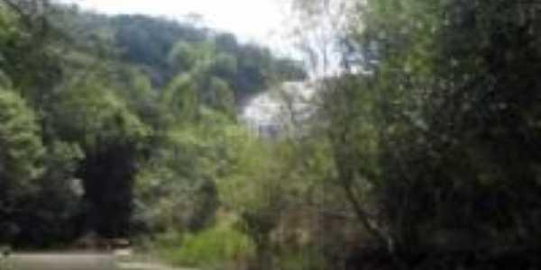 cachoeira lago de furnas, Por adriano ribeiro