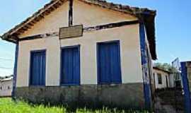 Cora��o de Jesus - Antiga Escola na Vila de S�o Joaquim em Cora��o de Jesus-MG-Foto:Antonio de Andrade