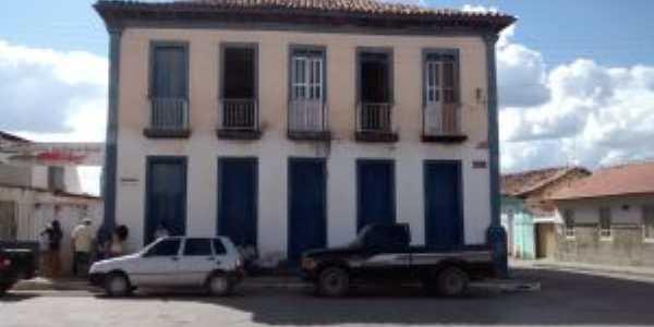 Museu antigo, Por Guto Ferrera