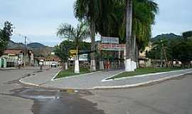 Coroaci - Coroaci-MG-Praça Pe.Sandy Rabello-Foto:Izaides