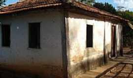 Coromandel - Casa Centenária em Coromandel-MG-Foto:Revoredo