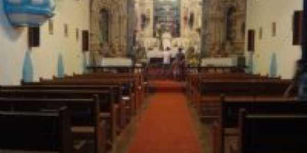 Foto interna da igreja de corregos, Junia Kelly Cruz, Por junia