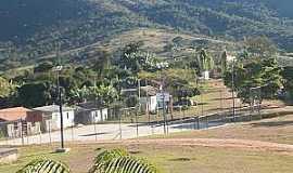 Costa Sena - Costa Sena-MG-Quadra de esportes e a serra-Foto:Camila.costa