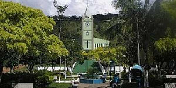 Distrito dos Costas-MG-Praça e Matriz de São João Batista-Foto:souzacds