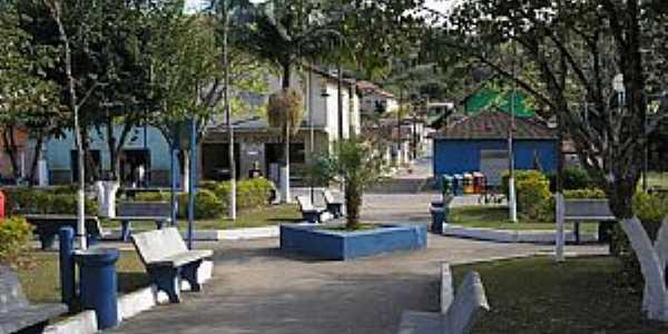 Distrito dos Costas-MG-Praça da Matriz-Foto:Marçal Carboneri