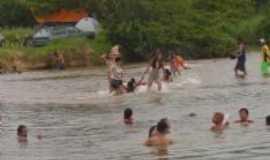 Crisólita - criançãs na cachoeira, Por Aninha Muniz Barreto