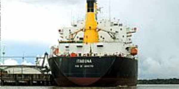 Navio ancorado na Ilha de Santana-AP-Foto:Marcondes Pereira