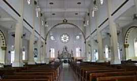 Cristina - Interior da Paróquia do Divino Espírito Santo-Foto:Beatriz Barreto Tane… [Panoramio]