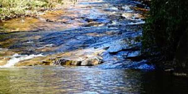 Crucilândia-MG-Cachoeira de Machados-Foto:Renato Vinicius