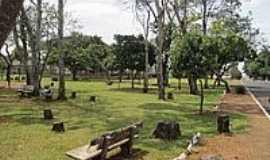 Cruzeiro dos Peixotos - Praça-Foto:daniel barros pereir…[Panoramio]