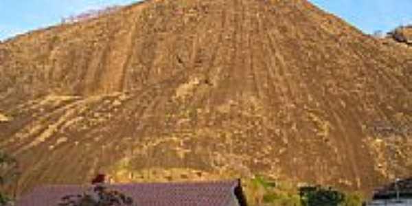 Pedra do Cuité Velho-Foto:Valdson Candido Pere… [Panoramio]
