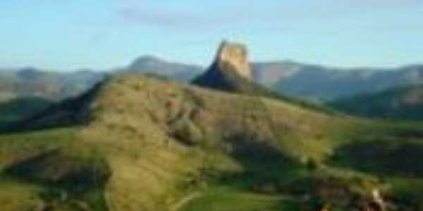 vista da pedra de santa Luzia, Por eliana