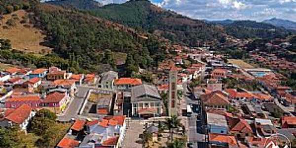 DELFIM MOREIRA-MG  Fotografia de O  Trem Comunicação